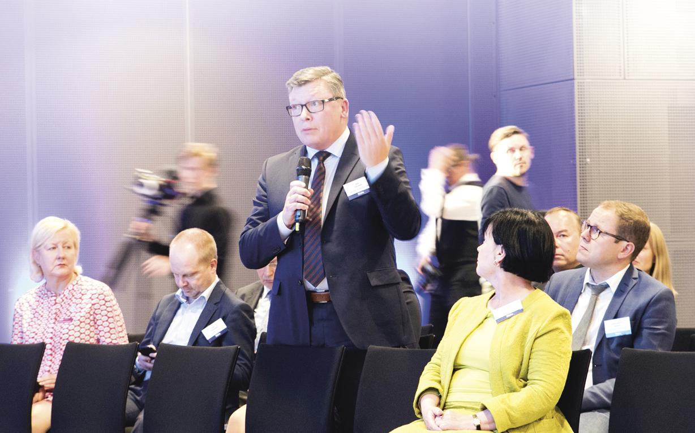 – Ulkomaalaistaustaisten Suomessa koulutettujen osaajien panos jää maassamme pitkälti hyödyntämättä, sanoi TEKin yksikönjohtaja Jari Jokinen keskusteltaessa kasvun resursseista.