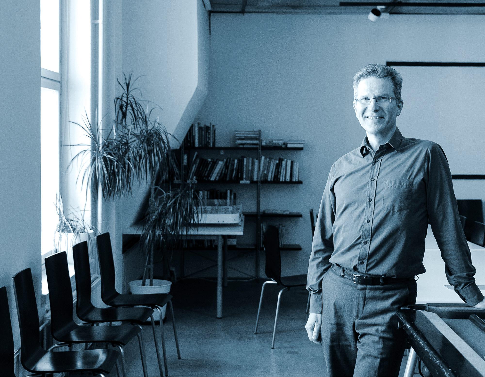 – Suomessa on noin 3 500 sertifioitua ohjelmistotestaajaa, Kari Kakkonen kertoo.