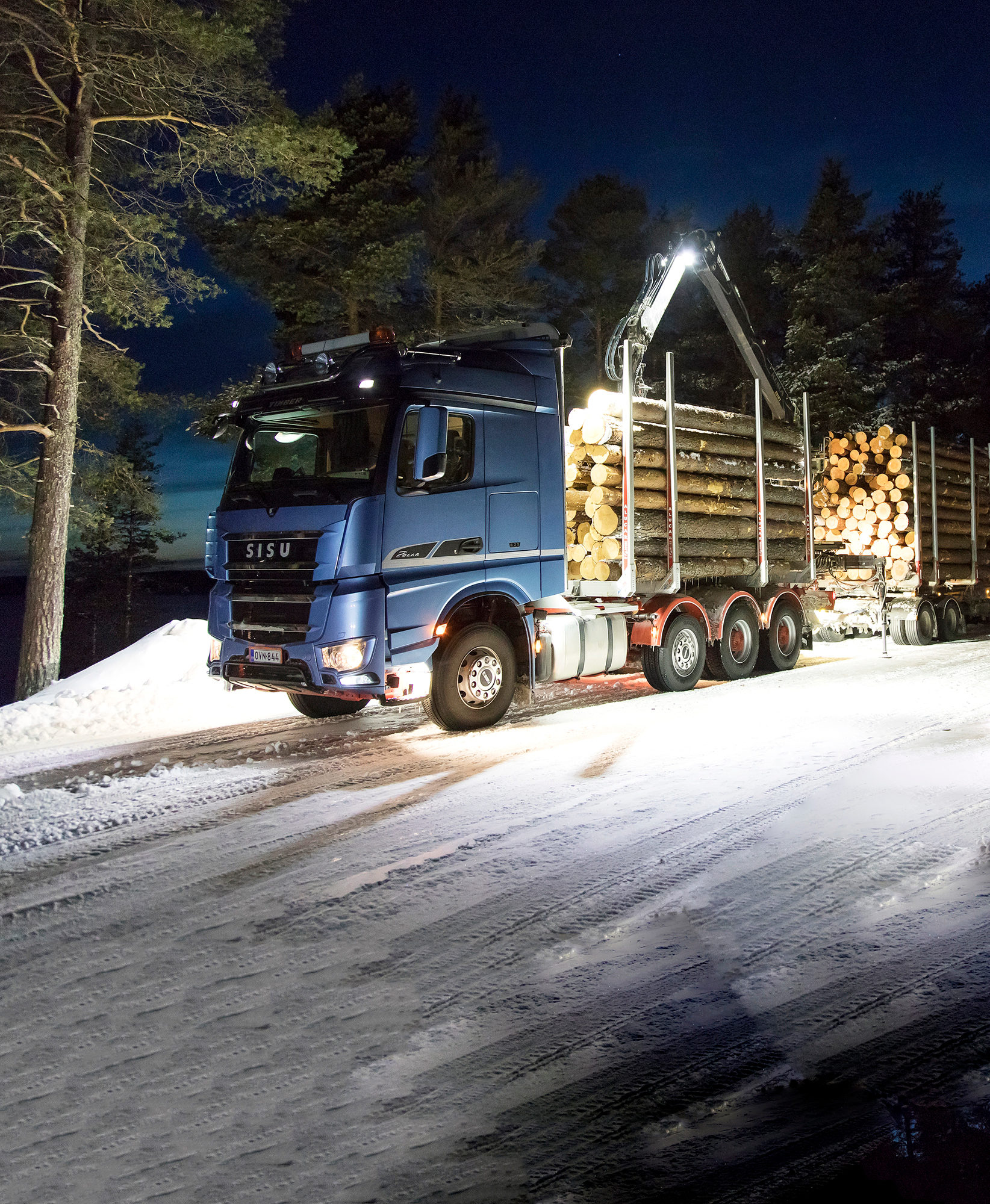 Puutavara-ajoon varusteltu Sisu Hybrid pääsee tositoimiin kesäkuussa 2018. Sen voi bongata Kaakkois-Suomen teillä.