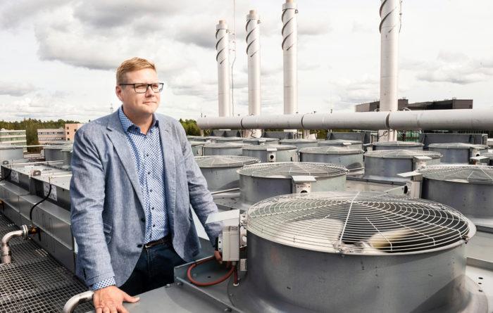 – Pohjoismaiden viileä ilmanala, halpa sähkö ja stabiili yhteiskunta ovat houkuttelevia valtteja Googlen ja Facebookin kaltaisille toimijoille, Matti Pärssinen toteaa.