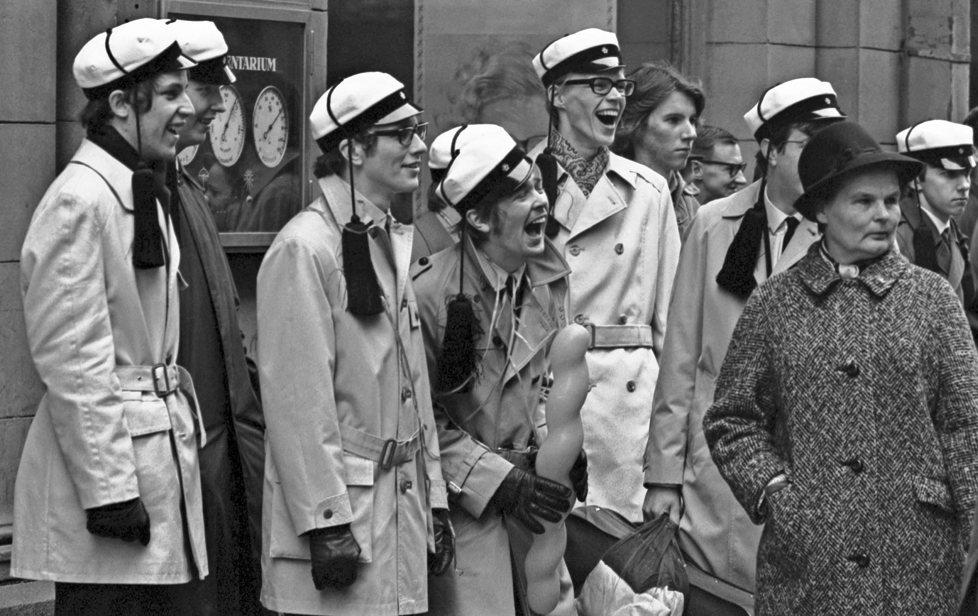 Tupsulakit iloitsevat vappuna 1970.